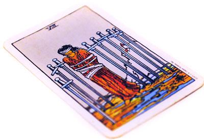 タロットカード「ソードの8」