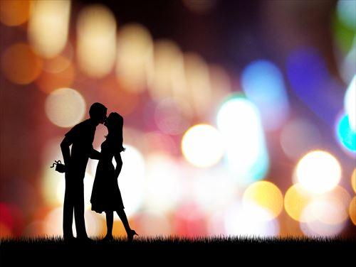 不倫に燃えるカップル