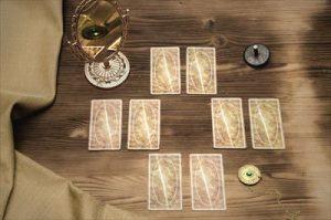 鏡とタロットカード